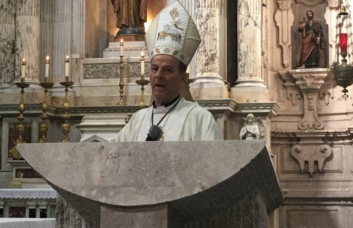Celebran misa en sentido de Juan el Bautista