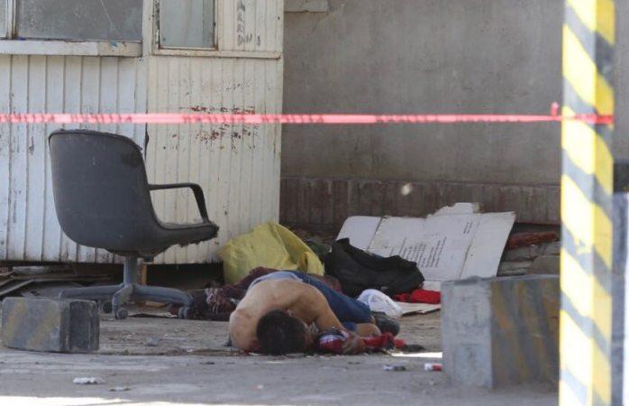 Localizan hombre muerto en estacionamiento de Juárez
