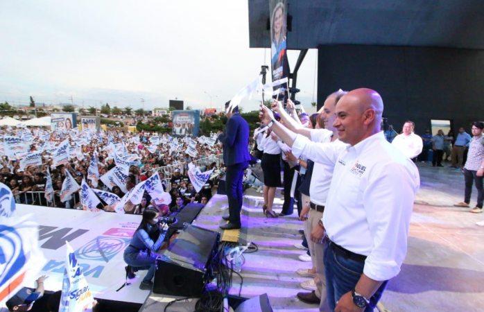 Cierra campaña Miguel La Torre en conjunto con candidatos del PAN