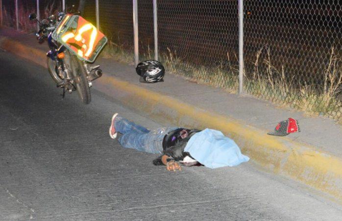Muere al ser arrollado por motociclista