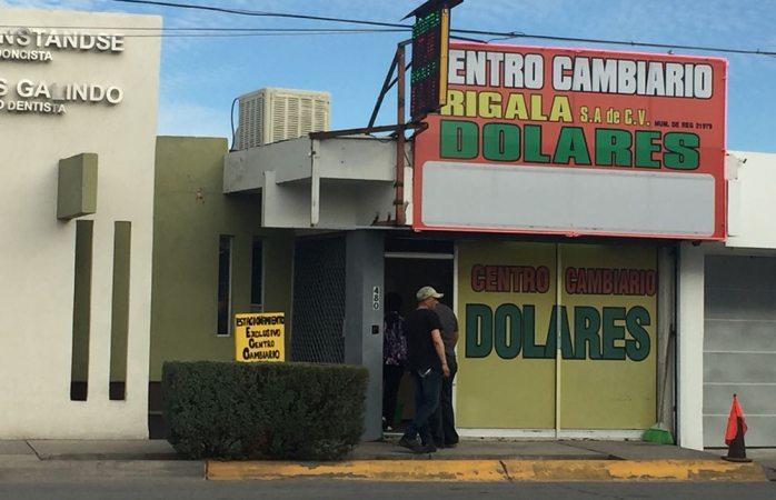 Video: atropellan intencionalmente a empleado de casa de cambio en Juárez