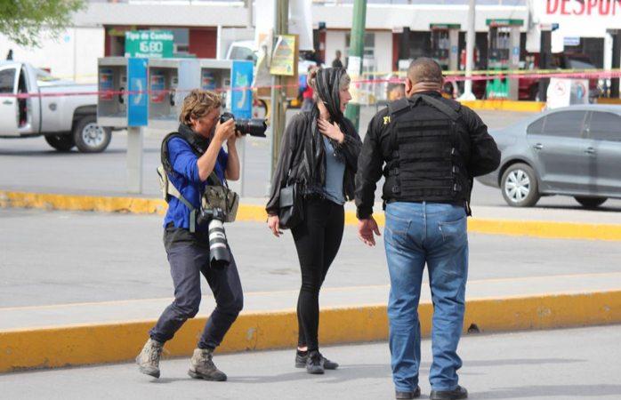 Reporteras holandesas ingresan a escenas del crimen sin restricción en Juárez