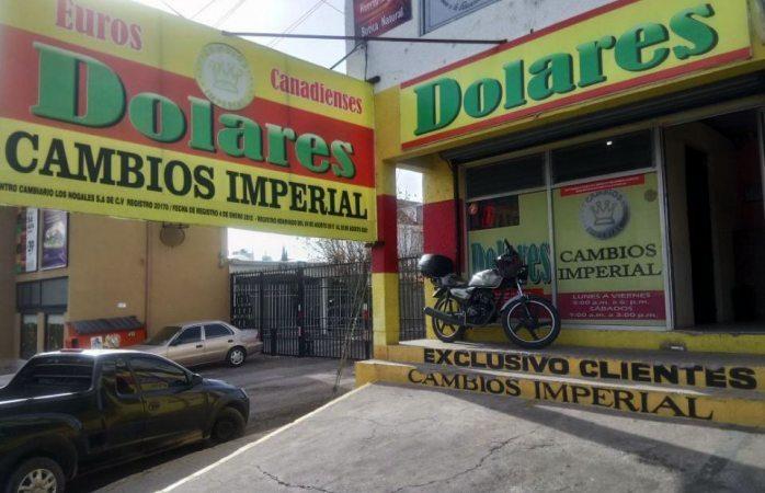 El peso le da una desconocida al dólar