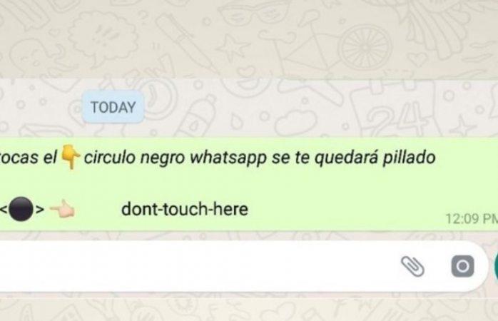 Un extraño punto negro que congela tu teléfono circula por WhatsApp