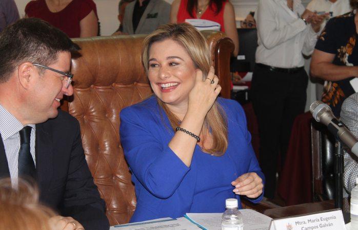 Pide licencia Maru Campos para su reelección
