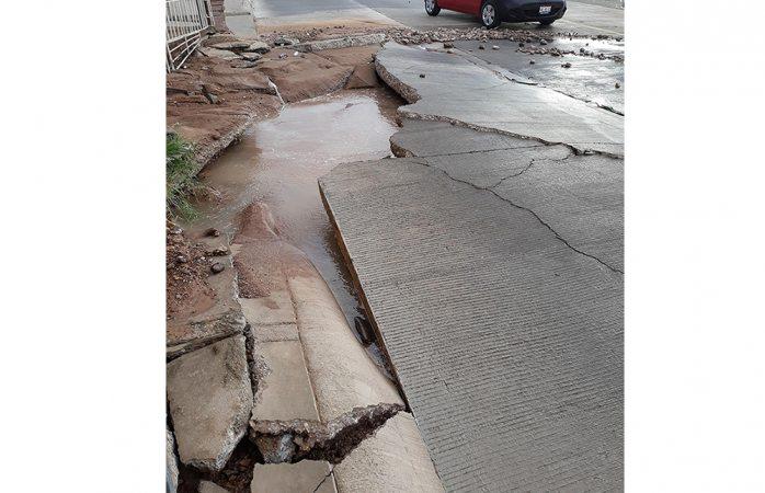 Mega fuga levanta pavimento en la CH-P