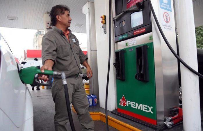 Suspenden multa a Pemex por vender gasolina de mala calidad