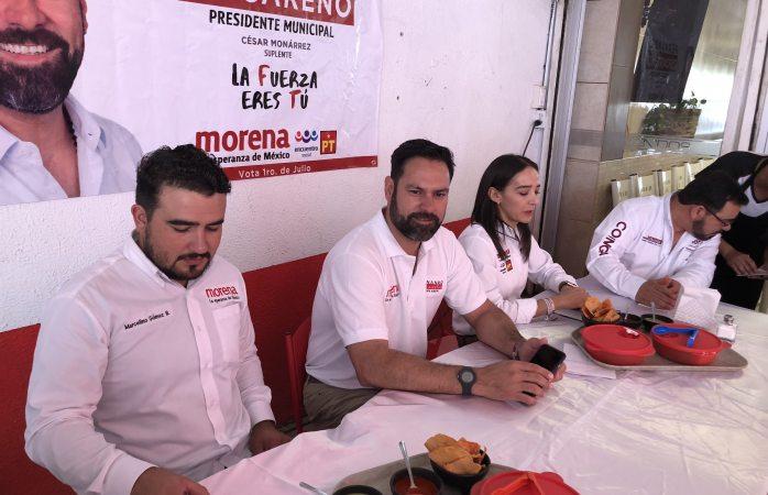 Presenta Tiscareño propuestas a medios desayunando barbacoa