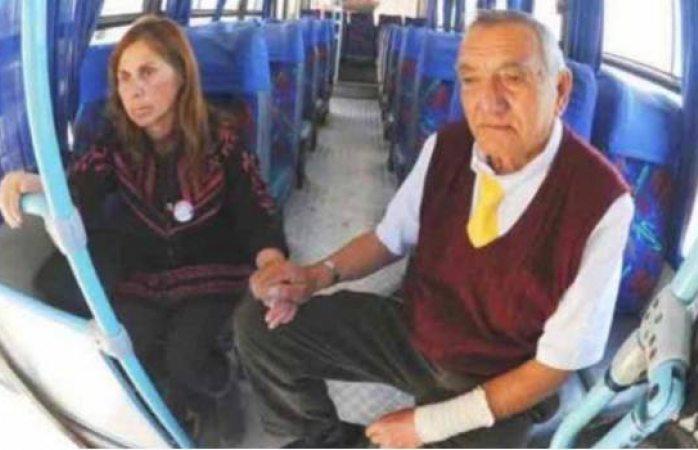 Amor verdadero: Todos los días, chofer lleva al trabajo a su esposa con Alzheimer