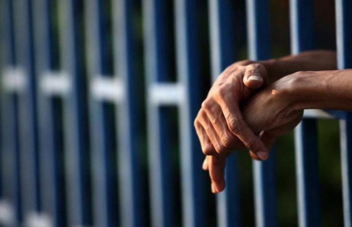 Le dan 55 años de cárcel por matar a su mamá