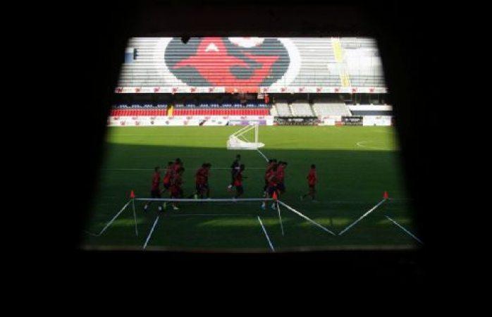 Ponen en jaque SAT y Cofece al futbol mexicano
