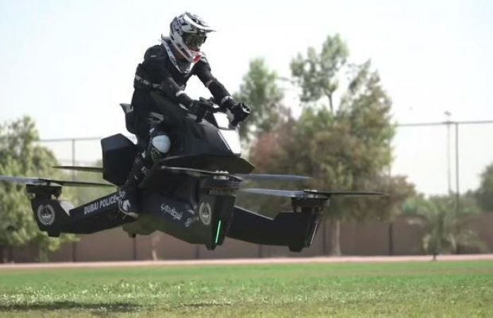 Policía de Dubái se prepara para usar motos voladoras