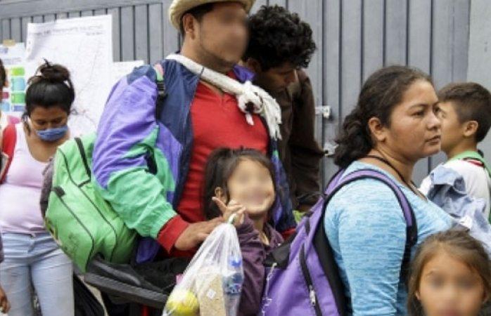 Más de 100 niños van sin familiares en caravana migrante