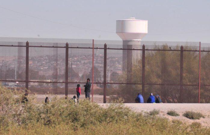 Intentan cruzar más de 50 migrantes a El Paso