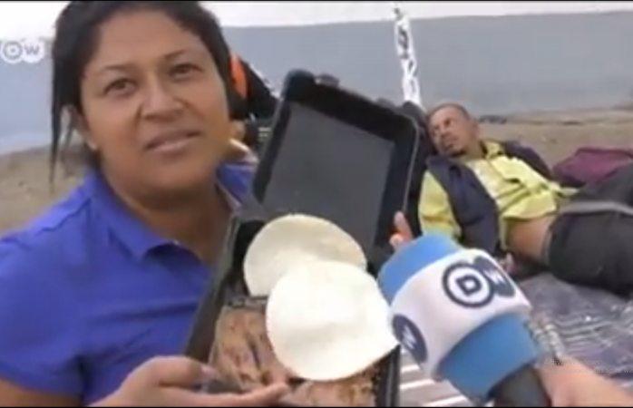 Los frijoles y tortillas son comida para puercos: migrante hondureña