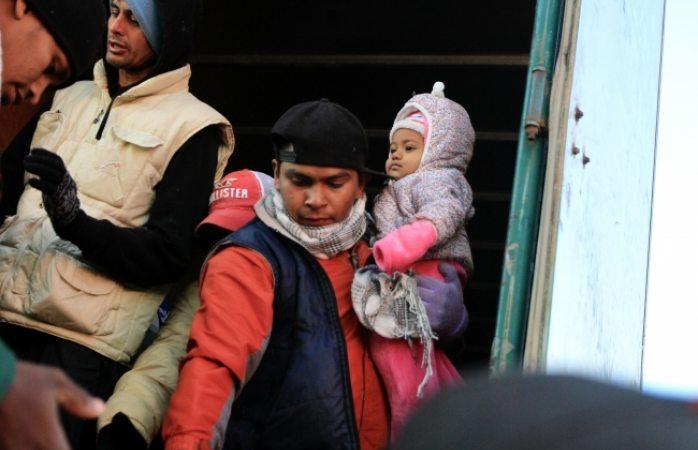 Tramitan más de mil migrantes asilo en EU