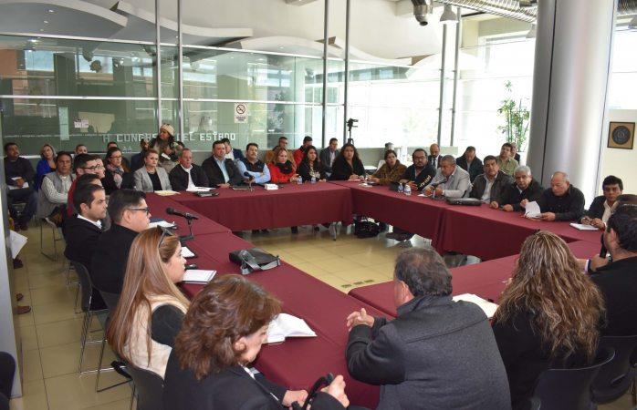 Se reúne presidente de congreso con 40 enlaces de municipios del estado