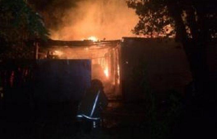 Muere hombre al incendiar su vivienda en El Tule