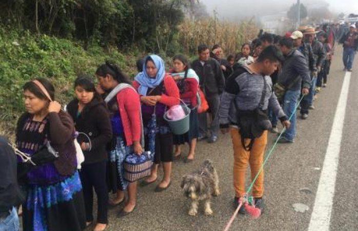 En Chiapas, dejan sin ayuda a caravana de indigenas desplazados por criminales