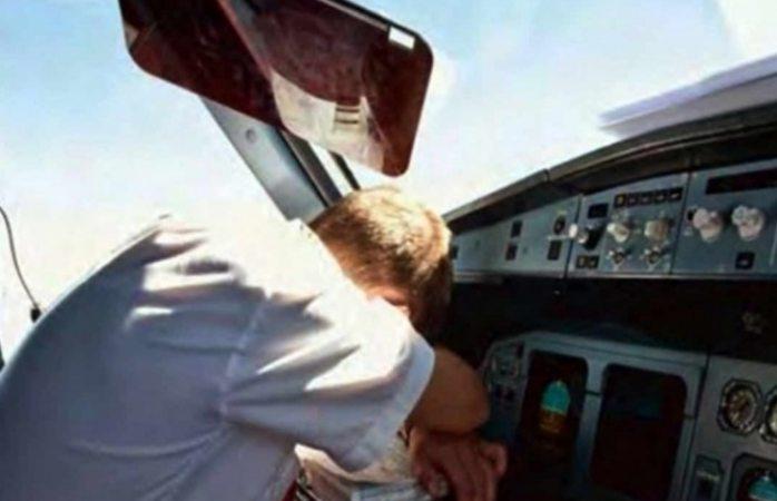 Piloto de avión se va de largo 50 kilómetros al quedarse dormido