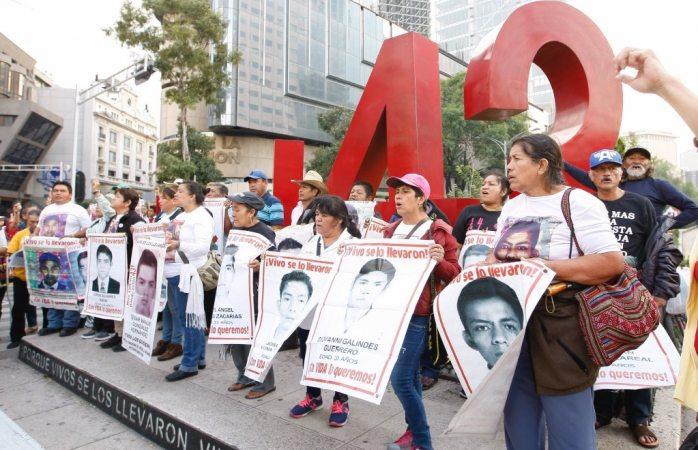 A dos días de irse, Gobierno federal acata recomendación por caso Ayotzinapa