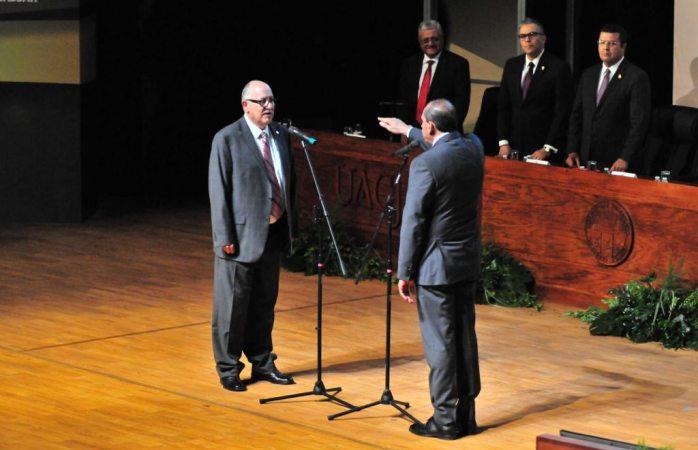 Toma protesta Juan Ignacio Camargo Nassar como rector de la UACJ