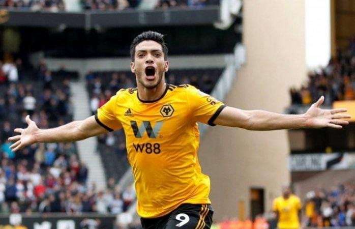 Raúl Jiménez encanta al Wolverhampton