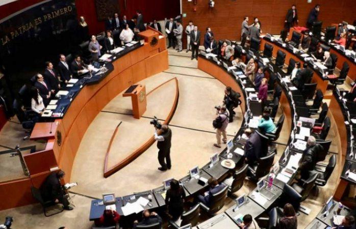 Senado liquida a 2 mil 40 trabajadores y congela plazas