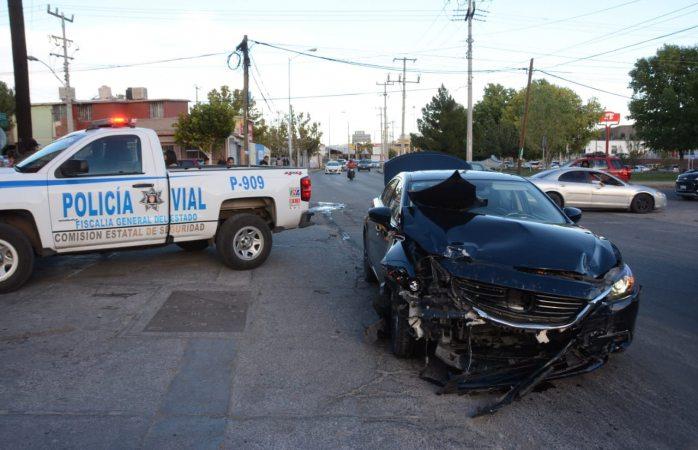 Choque deja dos lesionados en la Francisco Villa