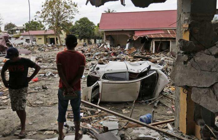 Podría haber más de 5 mil personas enterradas por sismo en Indonesia