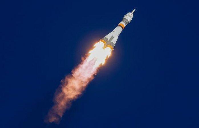 Rescatan a astronautas de cohete que falla luego de despegue