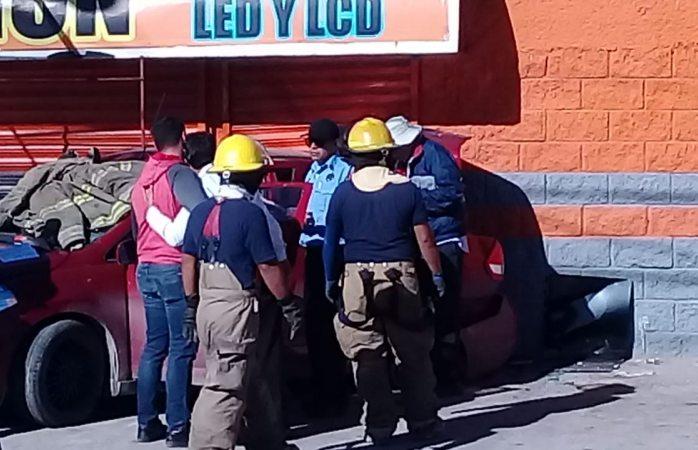 Chocan en la Santiago Troncoso; mujer muere