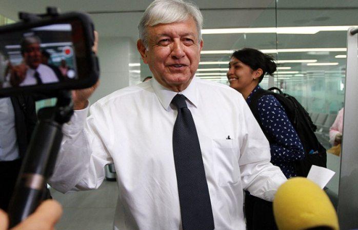 Mario Delgado votará por el aeropuerto de Texcoco en consulta