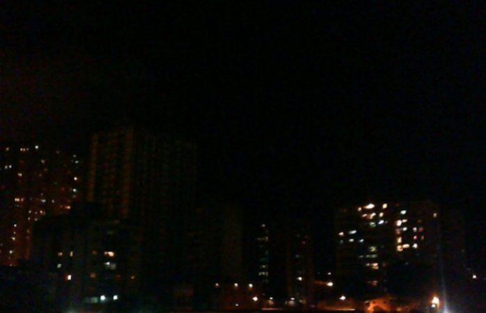 Venezuela se queda sin servicio eléctrico tras mega apagón
