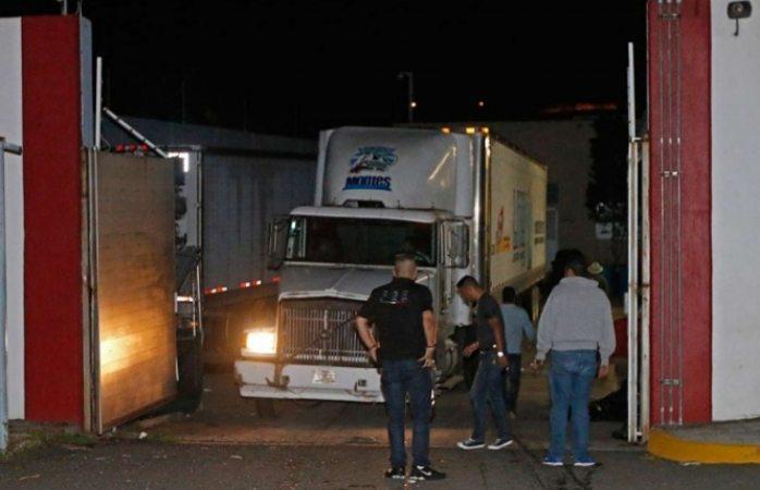 Faltan por identificar 216 cuerpos del tráiler de Jalisco