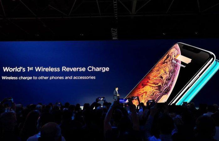 Huawei trollea a iPhone con smartphone que también es cargador inalámbrico