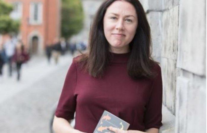 Gana conserje premio de literatura en Irlanda