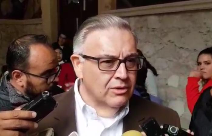 No despediremos maestros: González Herrera