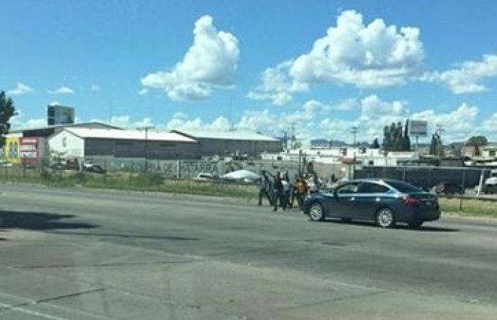 Reclaman a municipio puente peatonal en vialidad Chp y 60