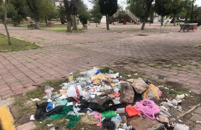 Usan de basurero área verde en la colonia pacífico
