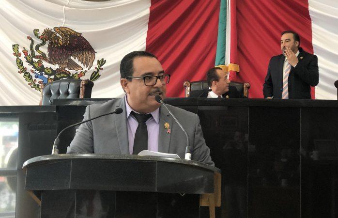 Denuncia diputado que gobierno no ha cumplido con sentencia de juicio de amparo