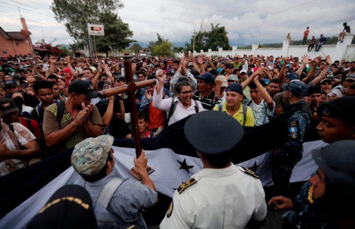 Si nos dan trabajo en México, nos quedamos: caravana de hondureños