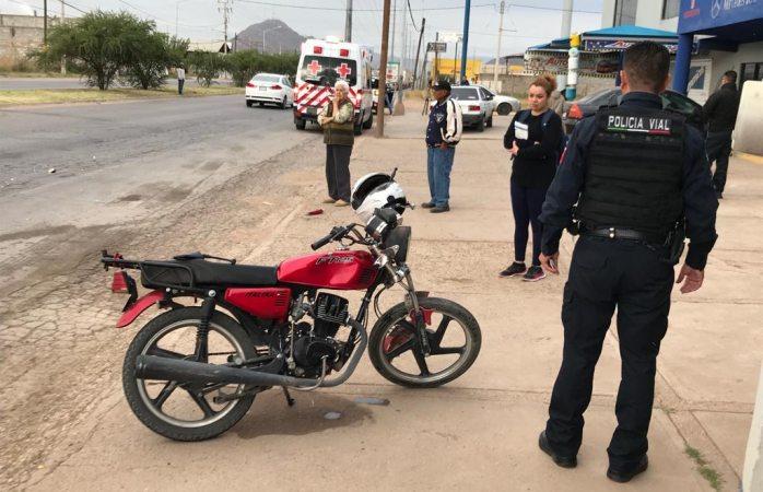 Se estampa moto contra pick up en el Lombardo Toledano