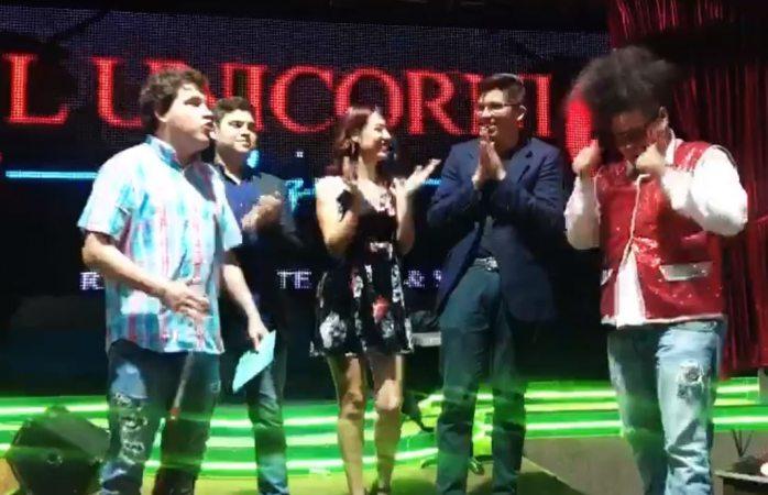 Cantan chihuahuenses con todo el corazón