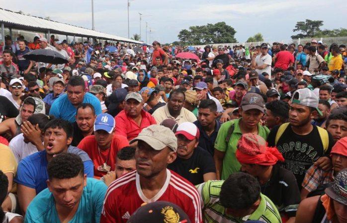 Emplea amlo a migrantes para construcción de tren maya