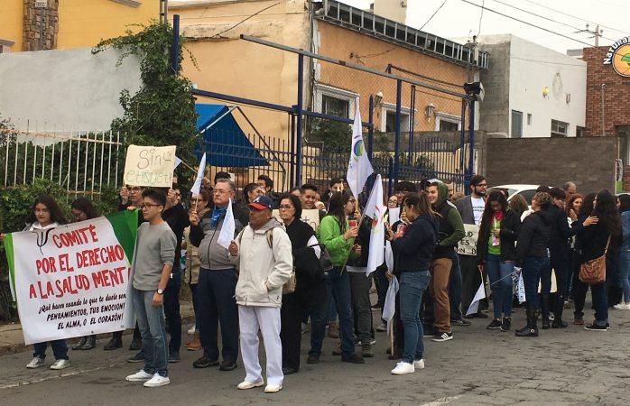 Marchan por calles en pro de la salud mental