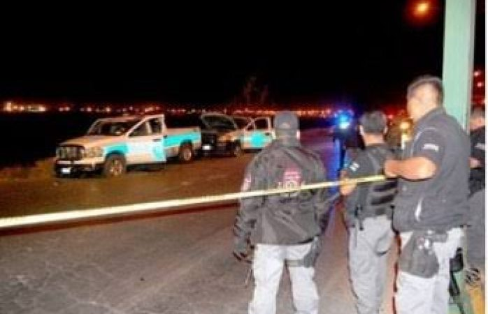 Comando ejecuta a cuatro policías y hiere a seis más en Chihuahua