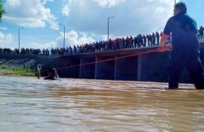 Identifican a joven ahogado en el río Parral