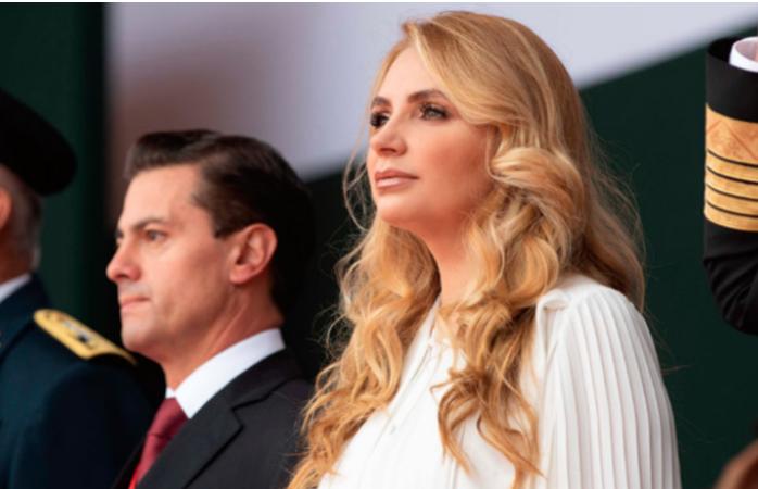 La familia presidencial se reúne previo a la ceremonia del Grito