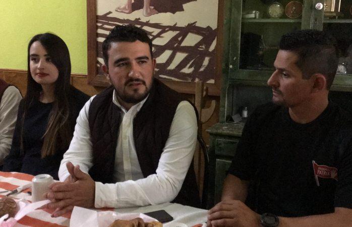 Maru campos está desinformada sobre becas, asegura Marcelino Gómez